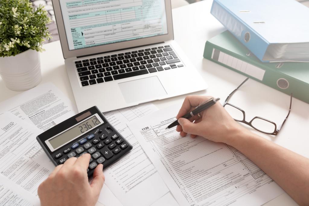 facture comptabilité impôts frais déductibles